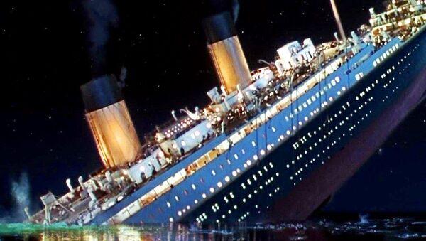 Sinking Titanic - Sputnik International