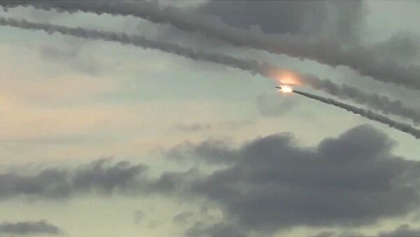 Massive attack on ISIS infrastructure in Syria - Sputnik International