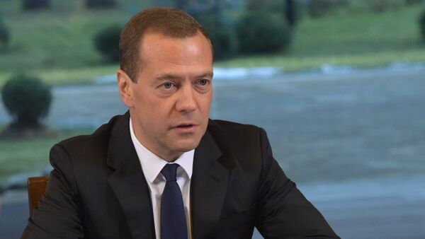 Russian Prime Minister Dmitry Medvedev meets with activists of All-Russia People's Front - Sputnik International