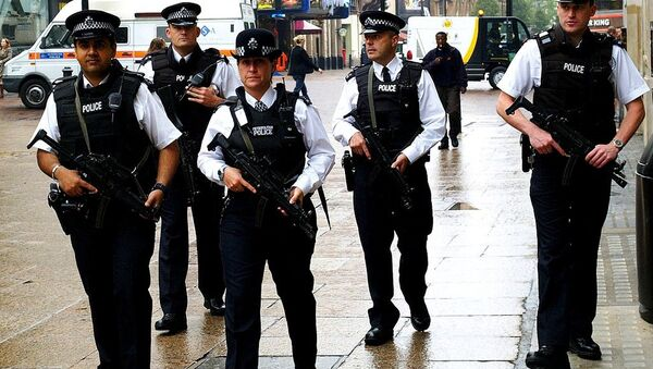 In the last 95 years, police in the UK have shot dead 51 people. Over the pond — in the US — police officers have fatally killed 78 people — in November alone. - Sputnik International