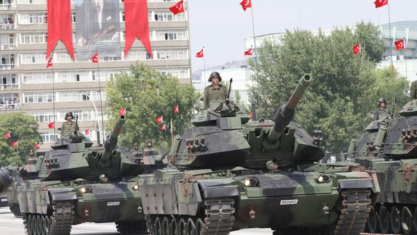 Turkish army tanks and aircrafts take part in a parade marking the 91st anniversary of Victory Day in Ankara on August 30, 2013 - Sputnik International