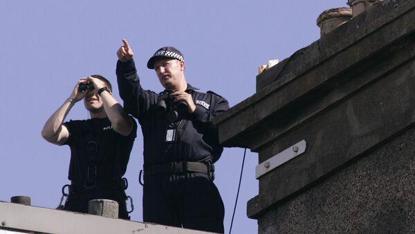 Police officers in Edinburgh, Scotland - Sputnik International