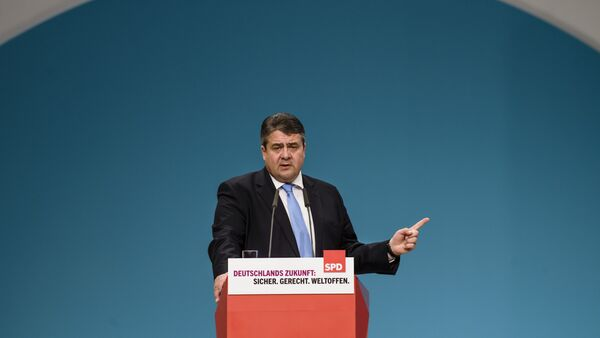 German Social Democratic Party ( SPD ) leader, German Vice Chancellor, Economy and Energy Minister Sigmar Gabriel gives a speech at the SPD annual federal congress in Berlin - Sputnik International