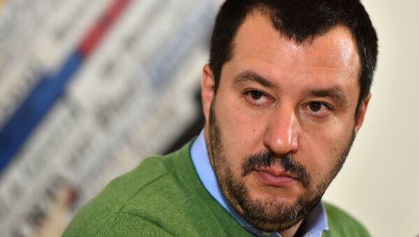 Italian Lega Nord (Northern League) Secretary, Matteo Salvini, speaks during a press conference on December 9, 2015 in Rome - Sputnik International