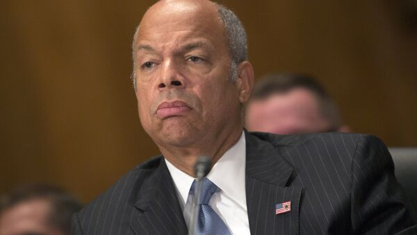 Homeland Security Secretary Jeh Johnson testifes before the Senate Homeland Security and Governmental Affairs Committee for a hearing on threats to the United States in Washington DC, October 8, 2015 - Sputnik International