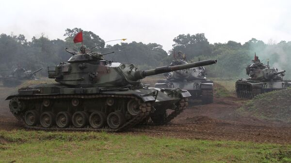Taiwanese soldiers operate the US-made M60-A3 tanks during a military exercise in Hualien, Taiwan (File) - Sputnik International