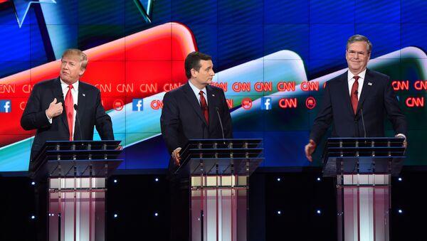 Republican presidential hopefuls Donald Trump (L), Ted Cruz (C) and Jeb Bush (R) on stage at the Republican Presidential Debate, hosted by CNN, at The Venetian Las Vegas on December 15, 2015 in Las Vegas, Nevada. - Sputnik International