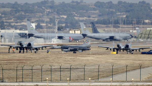 A Turkish Air Force F-16 fighter jet ( C foreground) is seen between US Air Force A-10 Thunderbolt II fighter jets at Incirlik airbase in the southern city of Adana, Turkey, file photo - Sputnik International