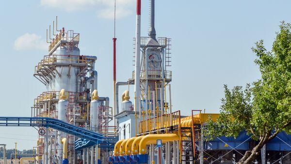 A picture shows a compressor station of Ukraine's Naftogaz national oil and gas company near the northeastern Ukrainian city of Kharkiv on August 5, 2014. - Sputnik International