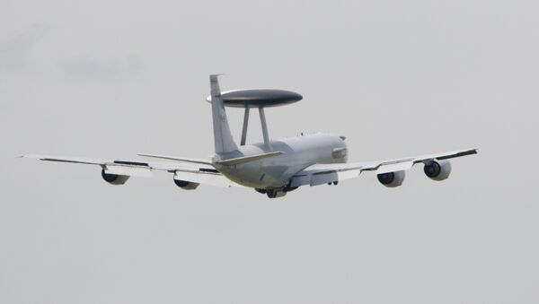 A Boeing E-3 Sentry AWACS performs a flying display at the47th International Paris Air Show. (File) - Sputnik International
