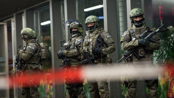 Police is pictured outside the Munich train station on December 31, 2015. - Sputnik International