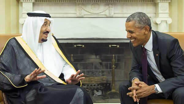 President Barack Obama, right, meets with King Salman of Saudi Arabia in the Oval Office of the White House, on Friday, Sept. 4, 2015, in Washington. - Sputnik International