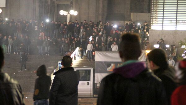 Picture taken on December 31, 2015 shows people gathering in front of the main railway station in Cologne, western Germany - Sputnik International