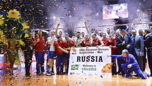 Coaches and athletes of the Russian national men's voleyball team after a victory in a final match of the men's qualification volleyball tournament for the 2016 Olympic Games between France and Russia - Sputnik International
