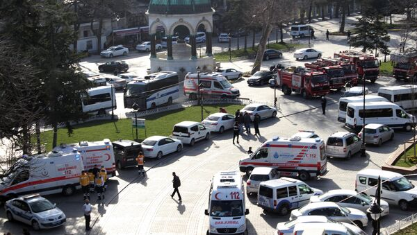 Ambulances and firefighters stationed near the city's landmark Sultan Ahmed Mosque or Blue Mosque after an explosion at Istanbul's historic Sultanahmet district, which is popular with tourists, Tuesday, Jan. 12, 2016 - Sputnik International