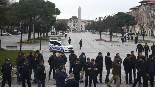 Police and security services secure the area around the Obelisk of Theodosius at Sultanahmet square in Istanbul, Turkey - Sputnik International