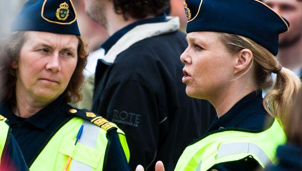 Swedish police officers - Sputnik International