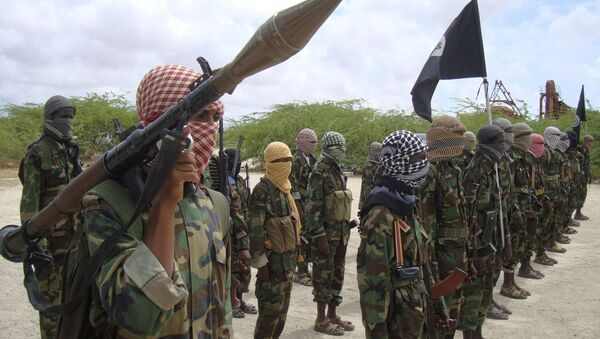 Al-Shabaab fighters display weapons as they conduct military exercises in northern Mogadishu, Somalia - Sputnik International