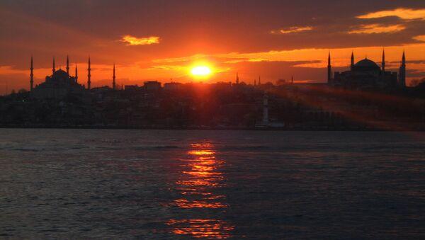 Istanbul at dusk - Sputnik International