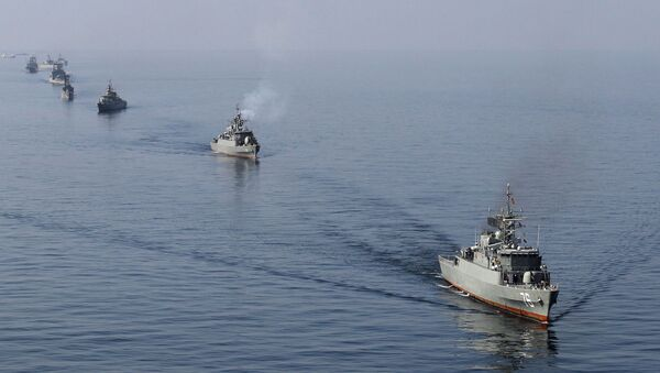 Iranian Navy boats take part in maneuvers during the Velayat-90 navy exercises in the Strait of Hormuz in southern Iran (File) - Sputnik International