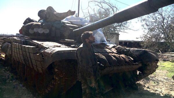 A Syrian Arab Army soldier - Sputnik International