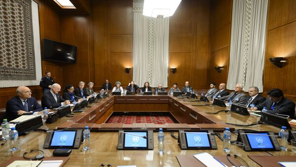 United Nations (UN) special envoy Staffan de Mistura (2nd L) sits facing Syria's main opposition group during Syrian peace talks at the UN Offices in Geneva on February 1, 2016 - Sputnik International