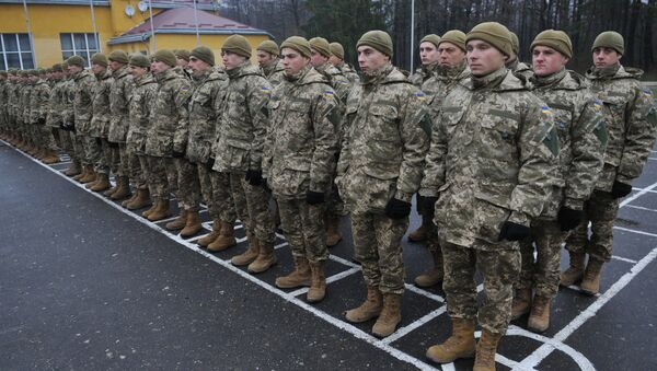 Ukrainian servicemen at the opening of a multinational training of Ukrainian Armed Forces units held on the territory of the International Peacekeeping and Security Centre of the National Hetman Petro Sahaidachnyi Land Forces Academy in Lviv Region - Sputnik International