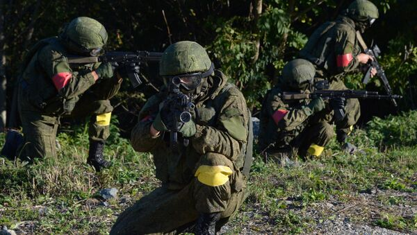 Servicemen of the task force units of the Eastern Military District during an operation to prevent hypothetical terrorists from getting to a Defense Ministry facility - Sputnik International