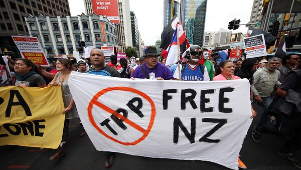Protesters march to the venue of the Trans Pacific Partnership Agreement signing, SkyCity Conference Centre, Auckland, New Zealand, Thursday, Feb 4, 2016. - Sputnik International
