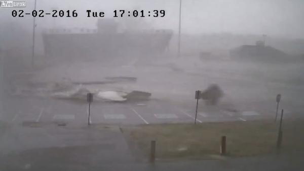 Powerful tornado rips through tennessee high school - Sputnik International