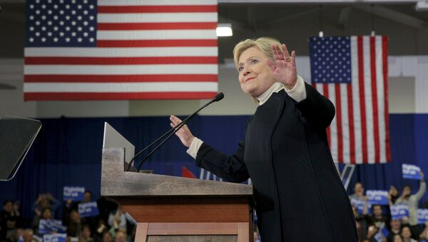 Democratic U.S. presidential candidate Hillary Clinton speaks to supporters at her 2016 New Hampshire presidential primary night rally in Hooksett, New Hampshire February 9, 2016 - Sputnik International