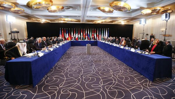 US Secretary of State John Kerry (C, 2nL), Russia's Foreign Minister Sergei Lavrov (C, L) lead the International Support Group for Syria (ISSG) meeting on February 11, 2016 in Munich southern Germany - Sputnik International