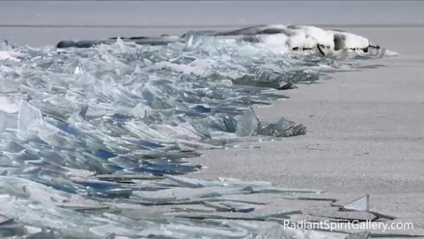 Lake Superior Ice Stacking - Sputnik International