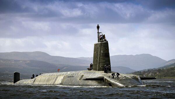 Royal Navy Vanguard Class submarine HMS Vigilant returning to HMNB Clyde after her extended deployment. - Sputnik International