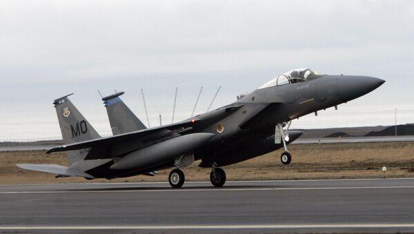 An F15 fighter jet lands at the Keflavik US Air Base, Keflavik, Iceland, Friday Feb. 24, 2006. (File) - Sputnik International