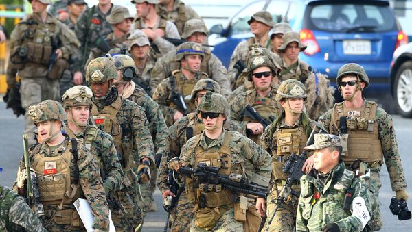 US Marines move for a joint military drill by US and South Korea in the southeastern port of Pohang on March 7, 2016 - Sputnik International