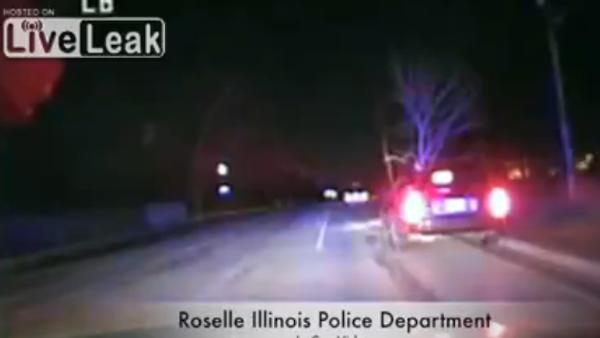 Cops Catch Female Drunk Driver With Tree Stuck On Front Of Car - Sputnik International