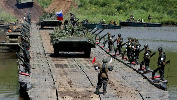 Tank units exercise of 5th Combined Arms Army of Eastern Military District - Sputnik International