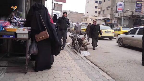 Inside Raqqa: Women's secret films from within closed city of terrorist sect ISIS - Sputnik International