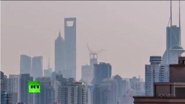 2 min Timelapse: 630m Shanghai lightshow skyscraper dwarves megapolis - Sputnik International