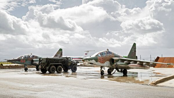 Sukhoi Su-25 ground-attack planes of the Russian Aerospace Forces prepare to depart from the Hmeimim airbase in Syria for their permanent location in Russia - Sputnik International