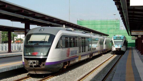 Proastiakos suburban trains at Piraeus railway station - Sputnik International