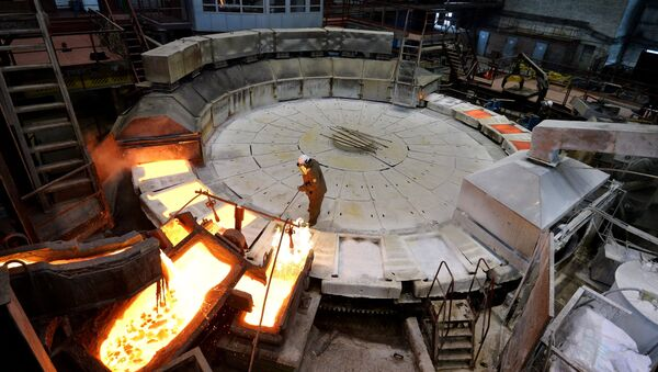 Anode copper casting at Kyshtym electrolytic copper plant in Chelyabinsk region, Russia. The main production is blister fire refining - Sputnik International