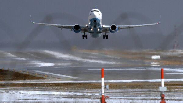 FlyDubai's Boeing 737-800 lands at Vnukovo Airport - Sputnik International