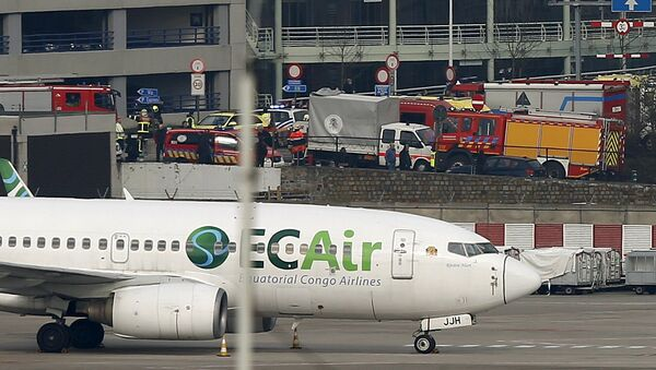 Emergency services at the scene of explosions at Zaventem airport near Brussels, Belgium March 22, 2016 - Sputnik International