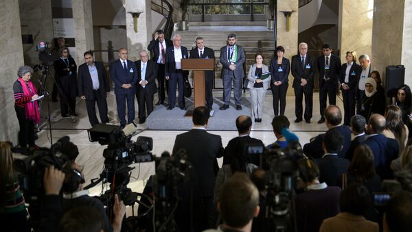 High Negotiations Committee (HNC) members take part in a press briefing on March 22, 2016 in Geneva following a meeting of the HCN with UN Syria envoy during Syria peace talks at the United Nations in Geneva - Sputnik International