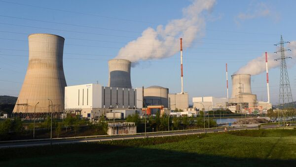This file picture taken on April 25, 2009, shows the nuclear Belgian power plant of Tihange - Sputnik International