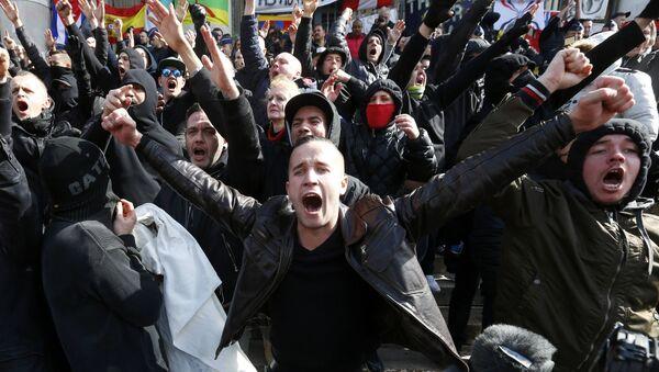 Right-wing demonstrators protest against terrorism in front of the old stock exchange in Brussels, Belgium - Sputnik International