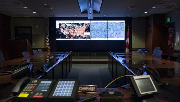 Two large screens light up the alternate command and control center in the Cheyenne Mountain Complex in Colorado - Sputnik International