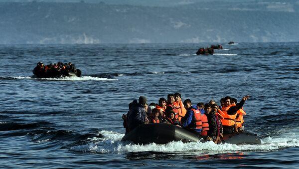 Refugees boat - Sputnik International